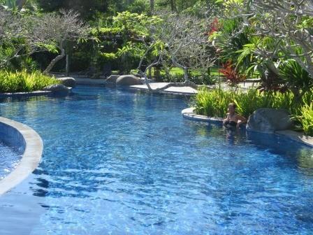 Abschied von unserem schönen Pool im Bintang Flores