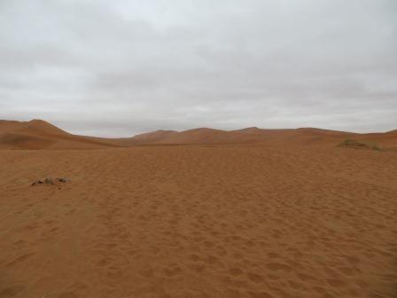 ...und anschließende Wanderung durch tiefen Sand.