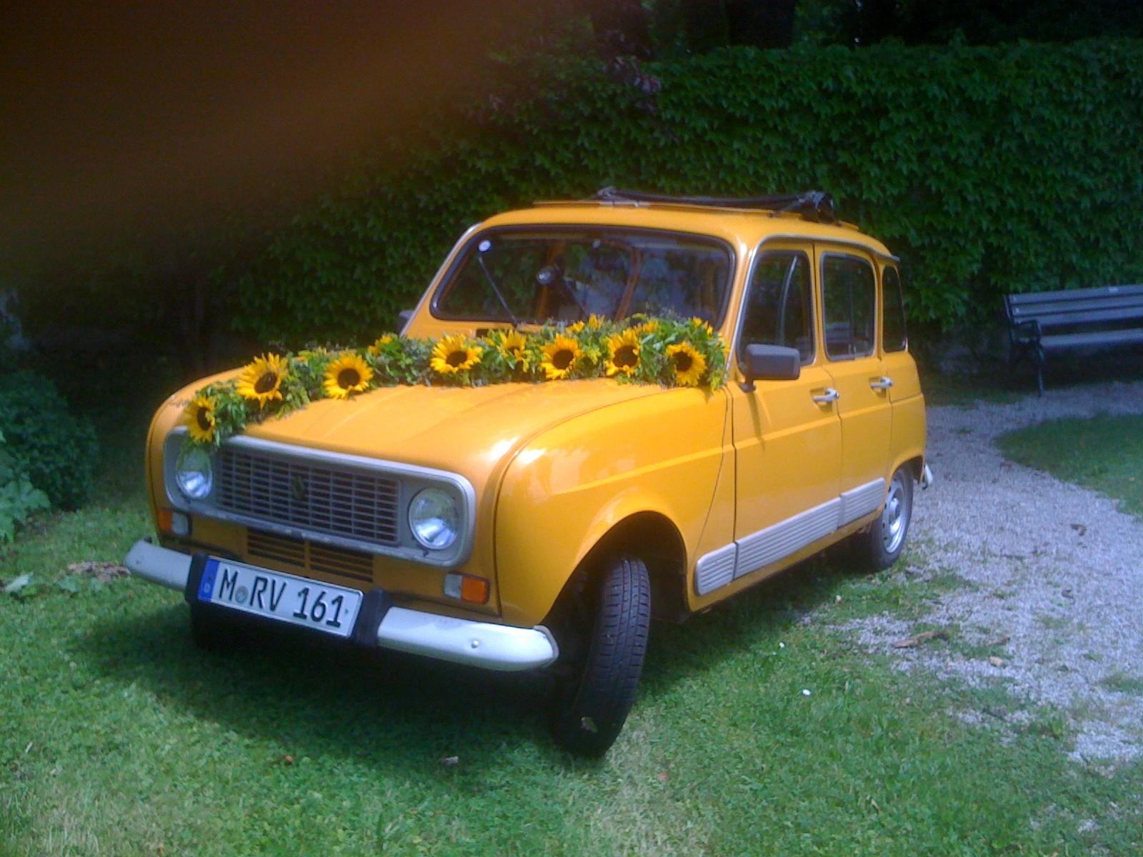 R4 Hochzeitsauto für Stefan & Alex