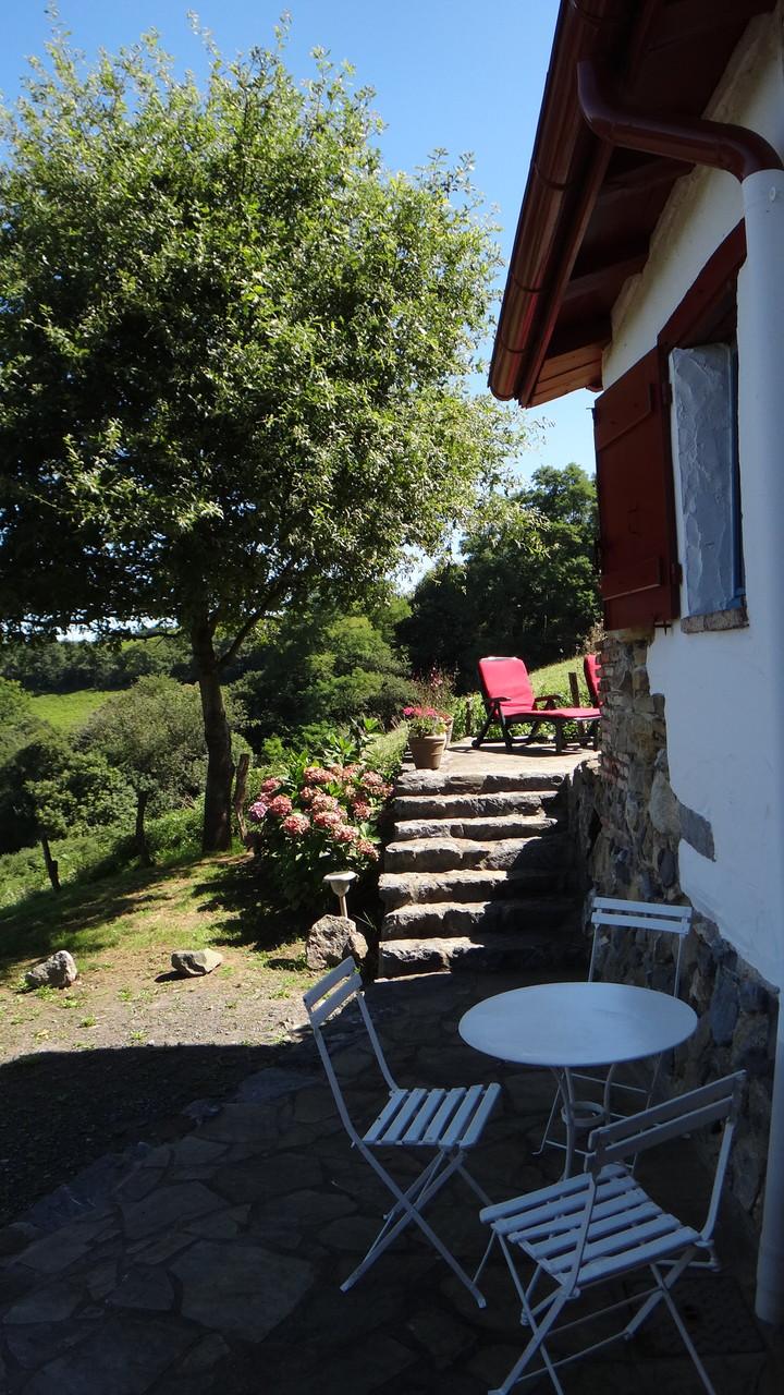 Escalier d'accès à la terrasse principale
