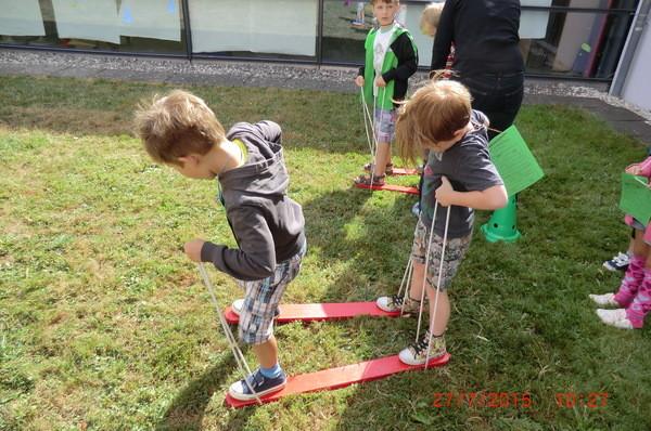 Beim Rasen-Skilauf ist Koordination gefragt.