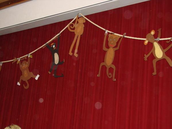 Auch die Affen hängen gespannt...