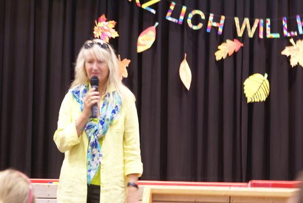 Begrüßung durch unsere Rektorin Frau Witzemann