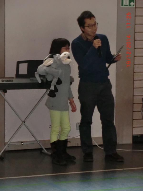 Herr Pfarrer Kim mit seinem kleinen Esel...