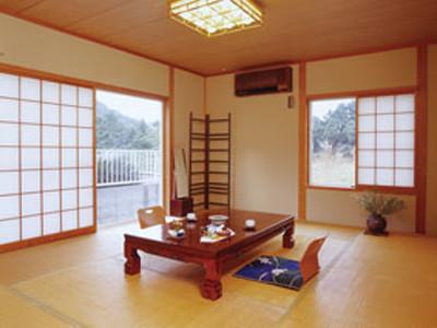 和室10畳 Tatami Room