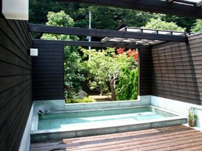 オファ・アトゥ 「伊豆石」露天風呂