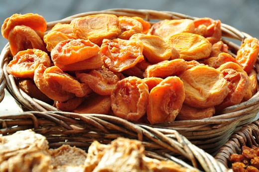 Getrocknete Pfirsiche, Ananas