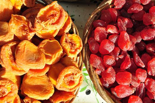 Getrocknete Pfirsiche, Erdbeeren
