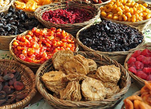 Getrocknete Ananas, Baumtomaten, Cranberry, Goldorangen, Pflaumen