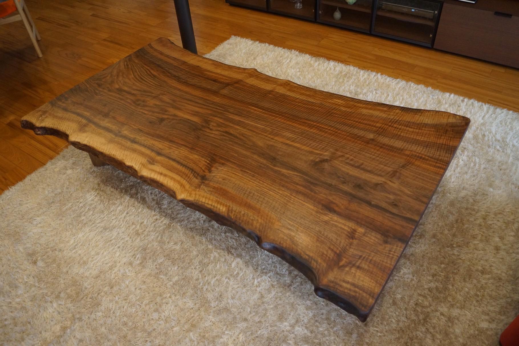 センターテーブル バストゥーンウォールナット 一枚板 広島