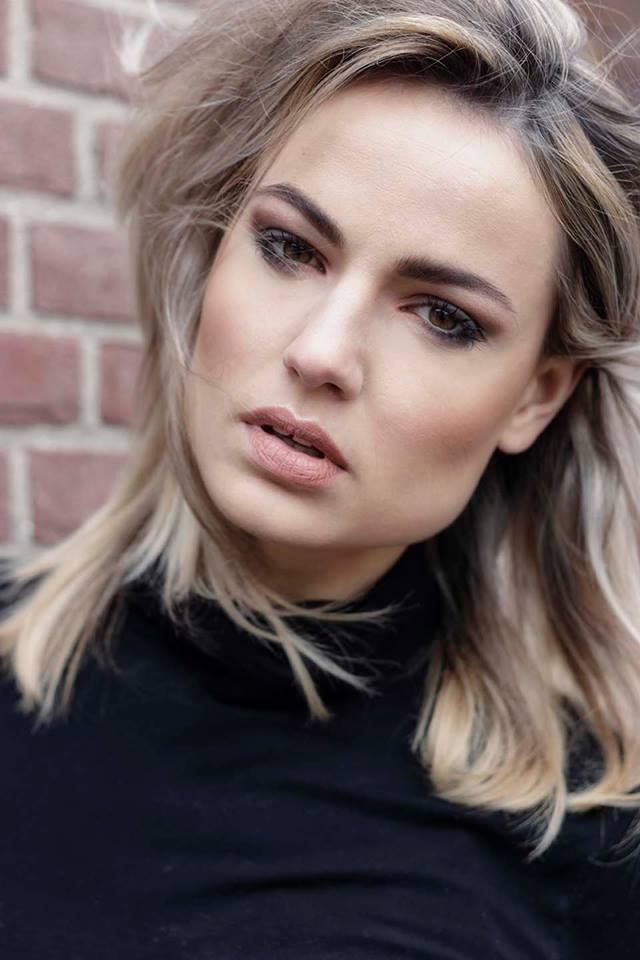 Fotograaf: Kayleigh Wolf- Model: Lotte Oudwater- Make-up & hair: Jacqueline Huijssoon