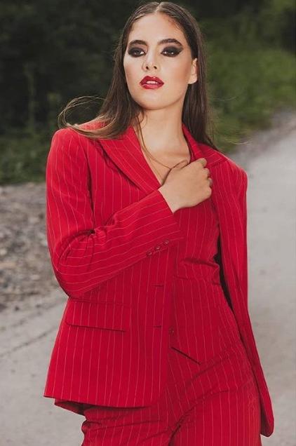 Fotograaf: Johnny ten Have - Model: Cheyenne Lohnen- Make-up & hair: Jacqueline Huijssoon
