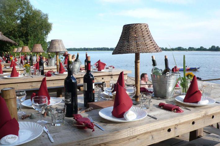 Wie wär`s mit einem exklusiven BBQ an Hamburgs schönstem Elb- Strand?