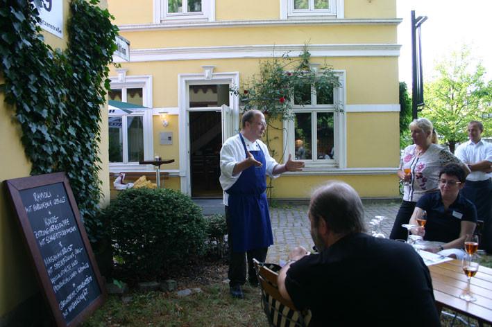 Team- Kochen in der Atlas- Kochschule