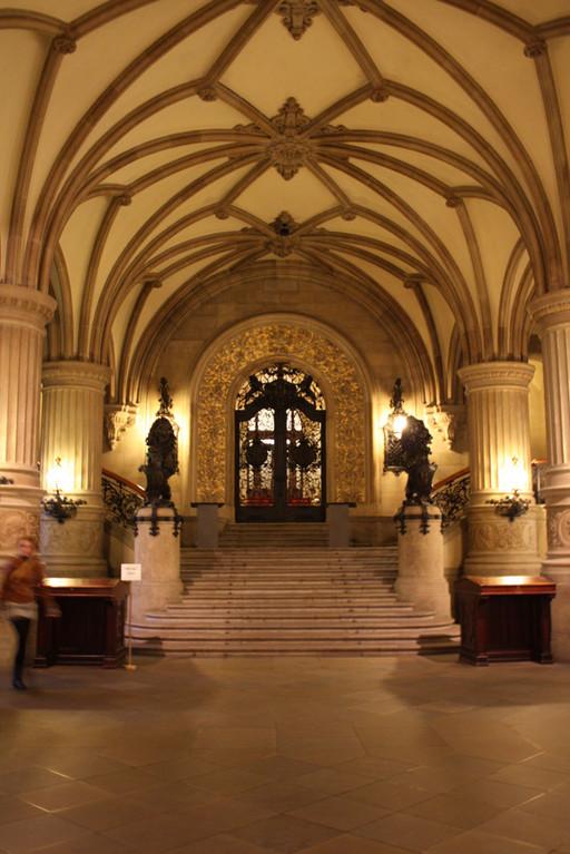 Der Innenraum des Rathauses