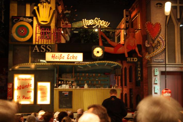 """Die """"Heiße Ecke"""" - DAS In- Musical auf der Reeperbahn"""