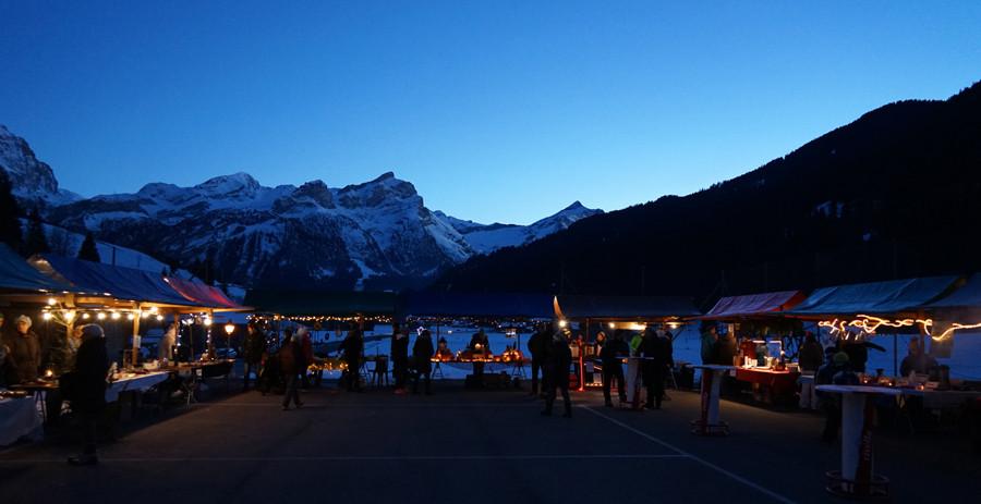 Adventsmarkt Feutersoey (Foto: Anzeiger von Saanen)