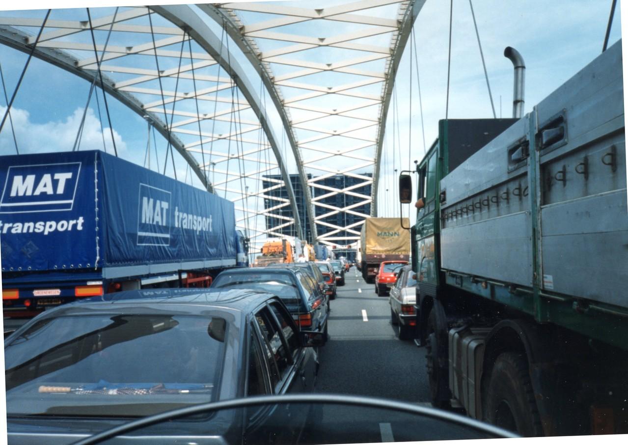 Rotterdam ponte mobile sull'autostrada