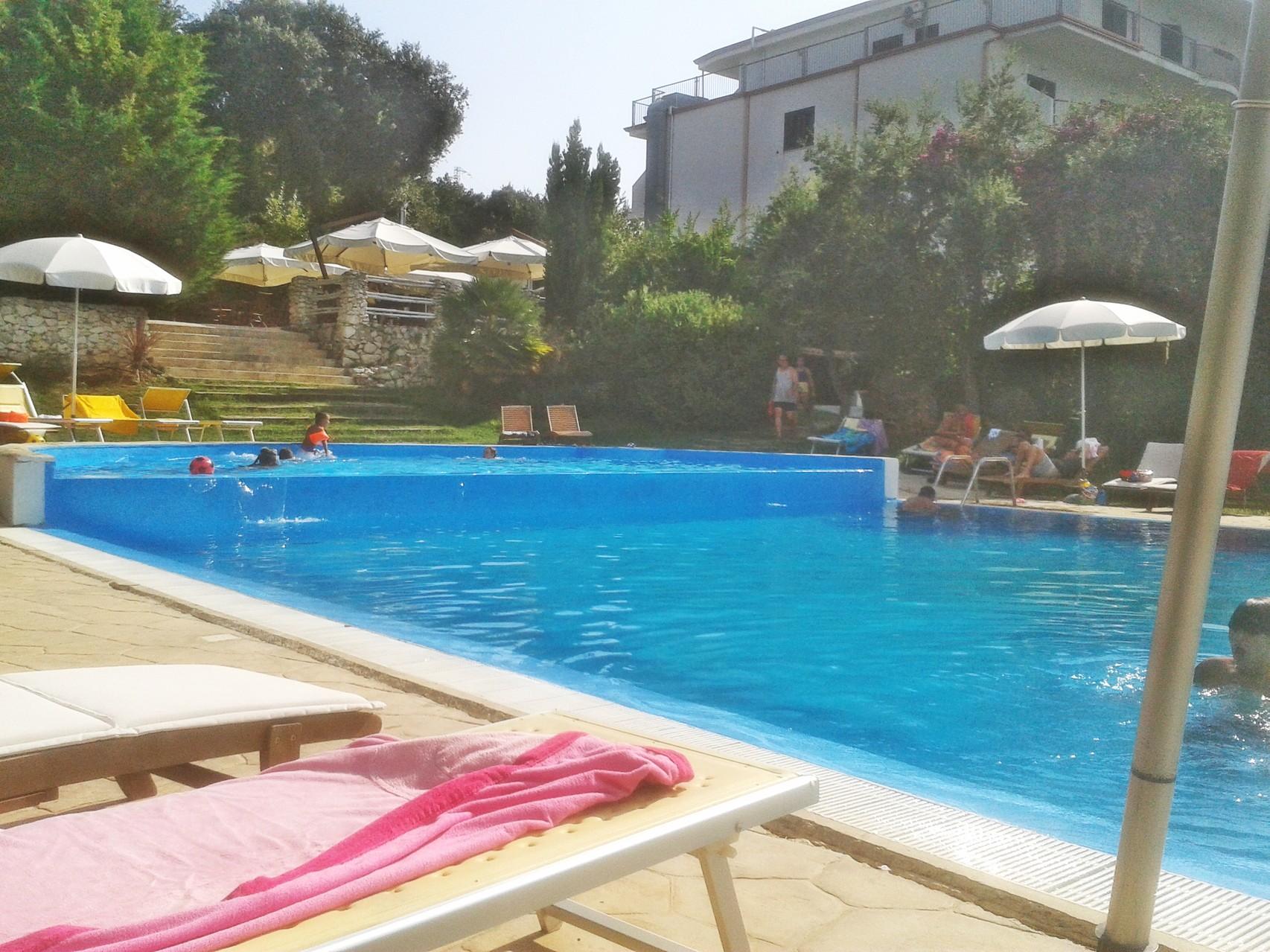 Rodi Garganico piscina Hotel