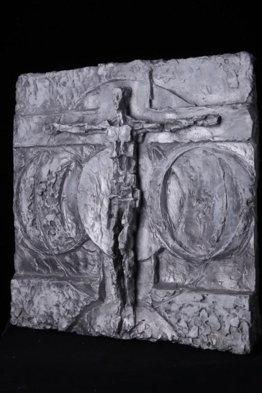 """""""Endzeitchristus"""", Aluminium, 55 cm x 56 cm -> Schrägansicht"""