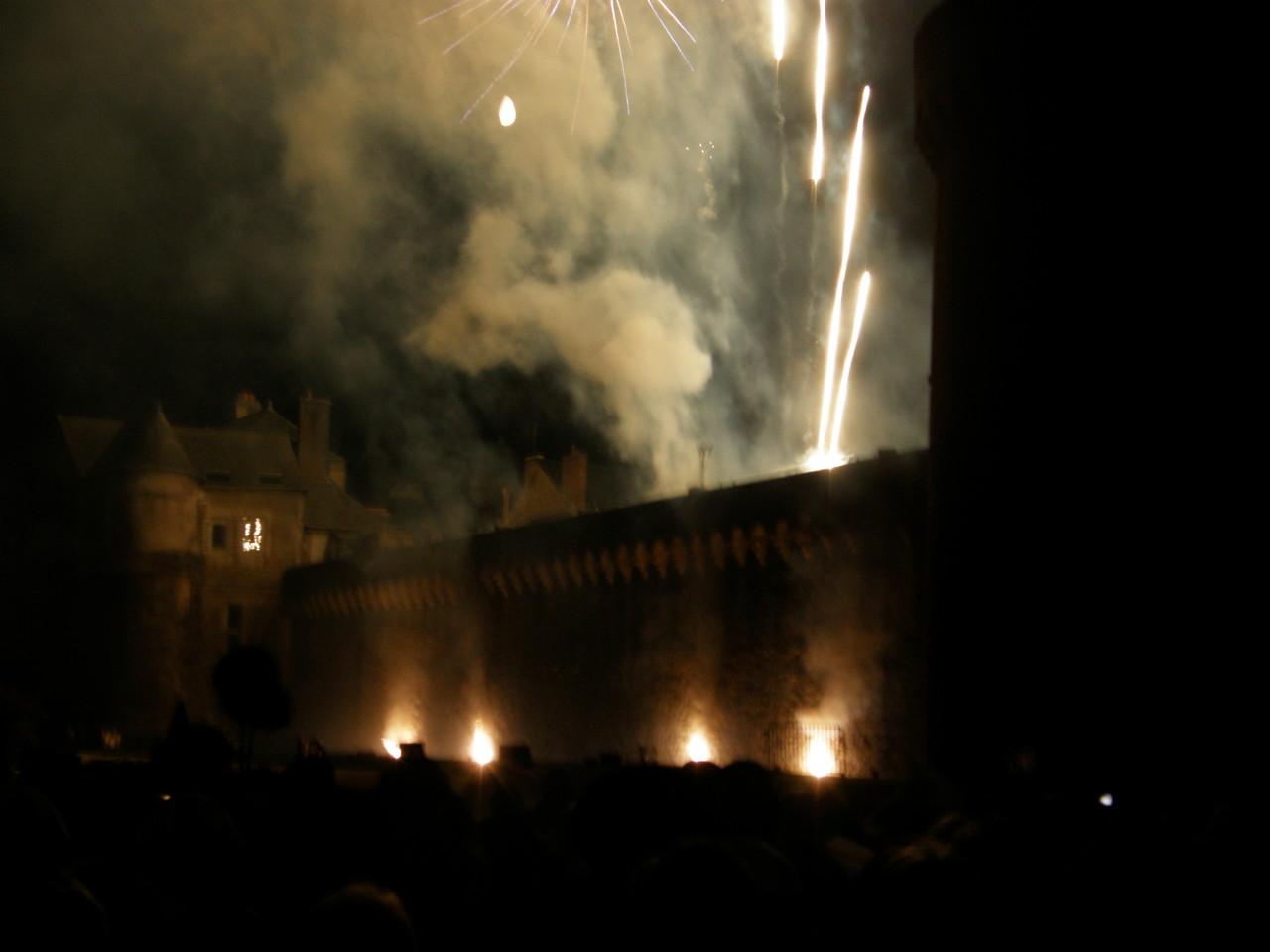 Les remparts enflammés finalisent ses fêtes