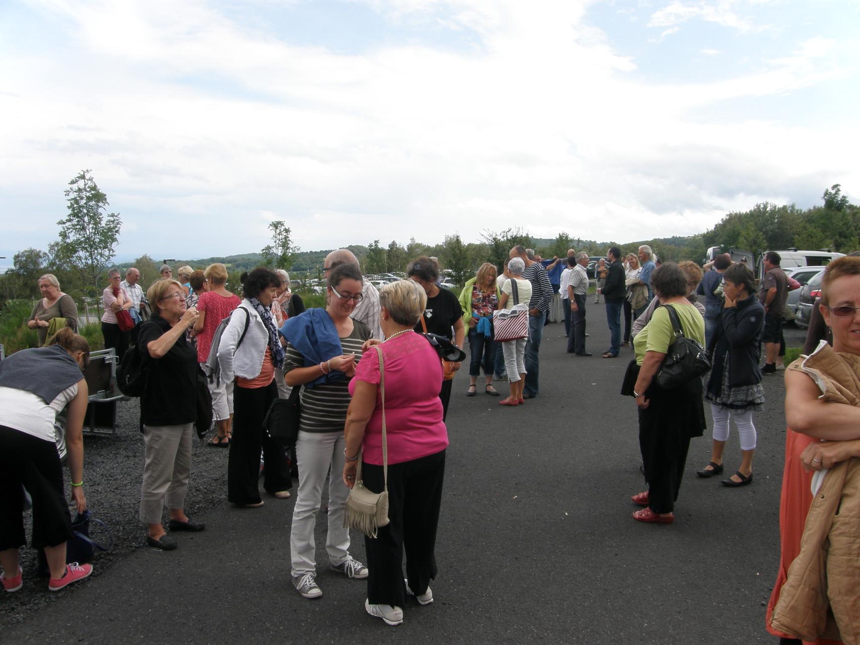 La rencontre avec nos amis au pied du Puy de Dôme