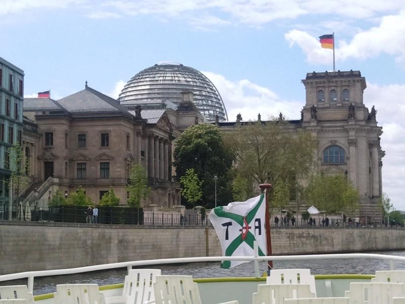 Der Deutsche Bundestag ist im Reichstagsgebäude