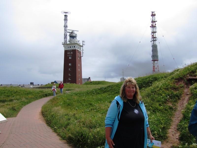 im Hintergrund ist der Leuchtturm