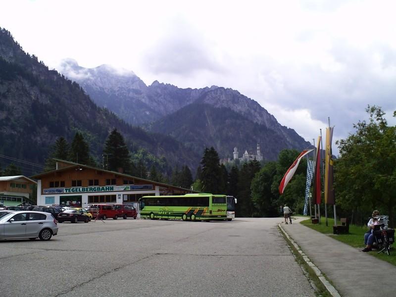 Die Tegelbergbahn. Zu einem Zwischenfall, mit einem Tandemgleitschirm, kam es am 12. August 2011.