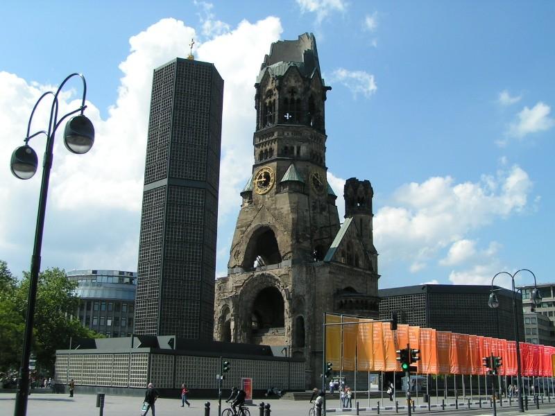 Ruine und Neubau der Gedächtniskirche