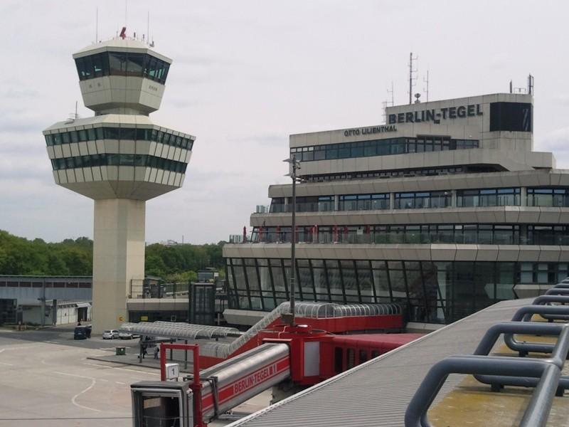 "Der Flughafen Berlin-Tegel ""Otto Lilienthal"" soll am Abend des 2. Juni 2012 geschlossen werden."