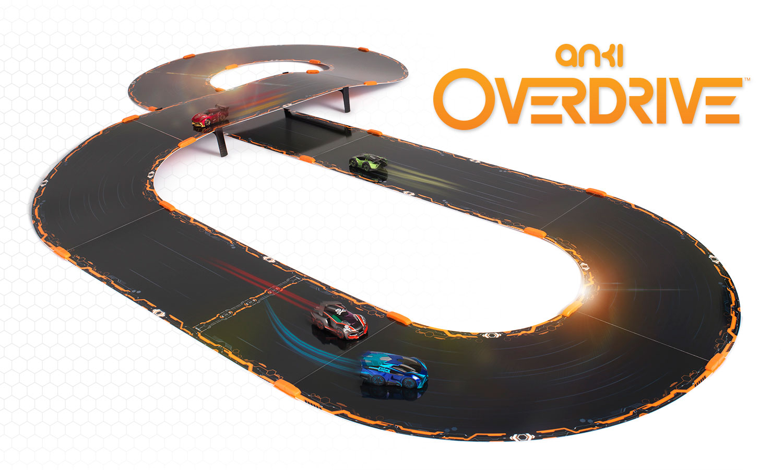 """Vermischt Carrera-Bahn mit digitalem Fun-Racer: """"Anki Overdrive"""". Die flexiblen Strecken-Elemente lassen sich nahezu beliebig aneinander legen - vorausgesetzt, man kauft ein paar zusätzliche Straßenteile."""