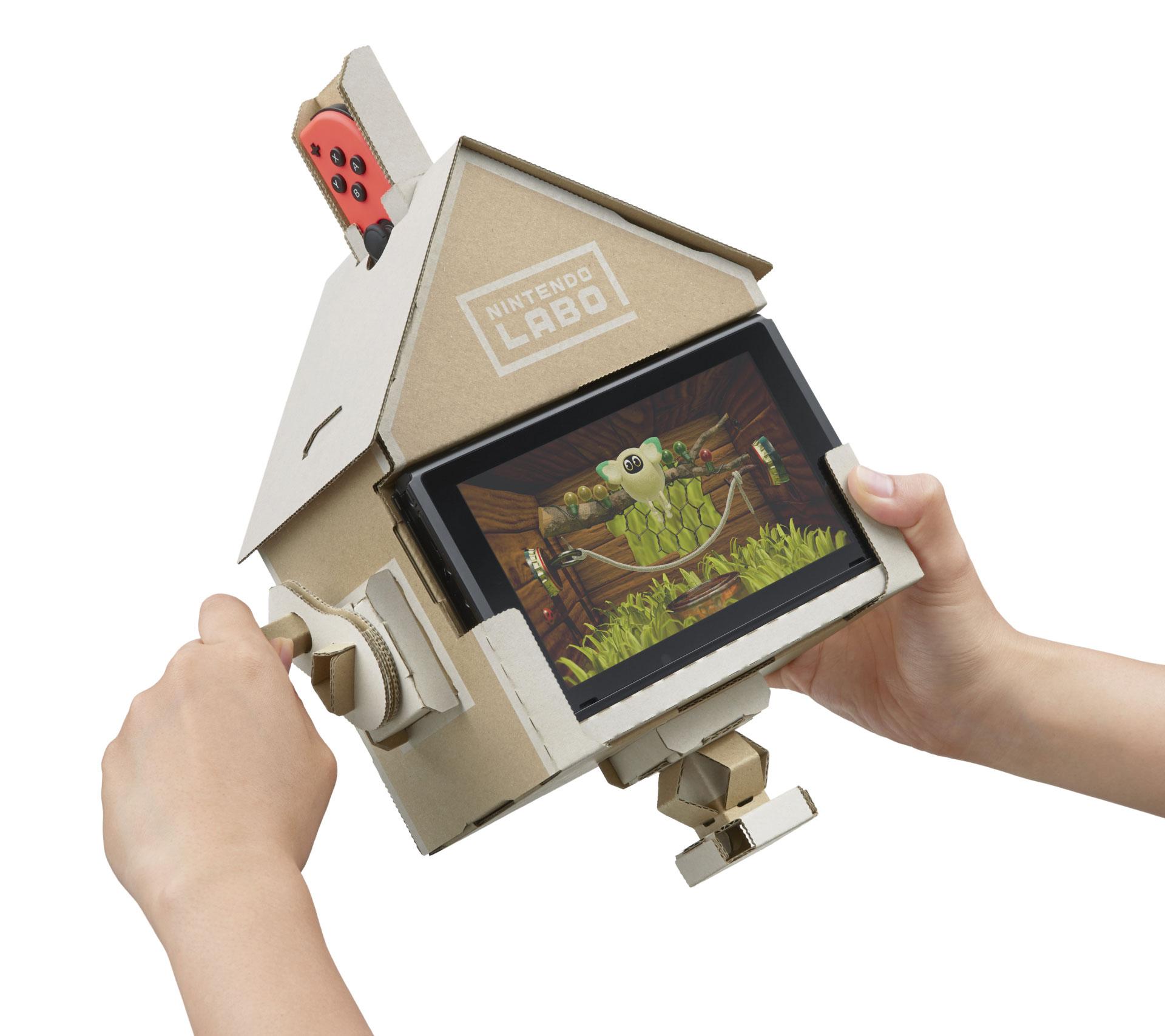 """Nintendos """"Labo""""-Konzept verbindet auf clevere Weise gebastelte Komponenten mit Mini-Games. Hier wird mithilfe von austauschbaren Papp-Schaltern ein """"Tamagotchi""""-ähnliches Haustier bespielt."""