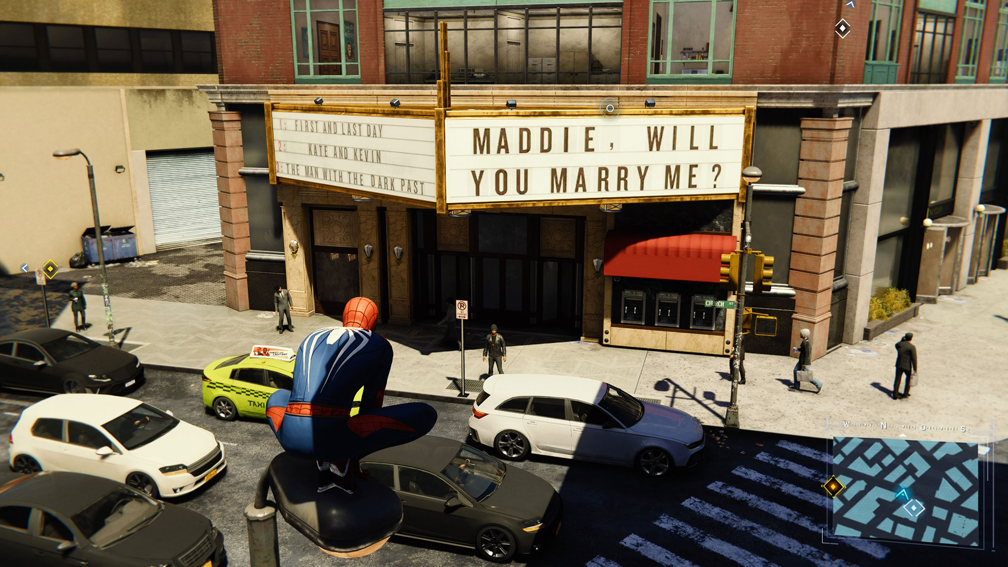 """er noch näher ran krabbelt, der entdeckt links von """"Maddie, will you marry me?"""" (""""Maddie, wirst Du mich heiraten?"""") drei fiktive Filmtitel, die im selben Filmtheater laufen."""