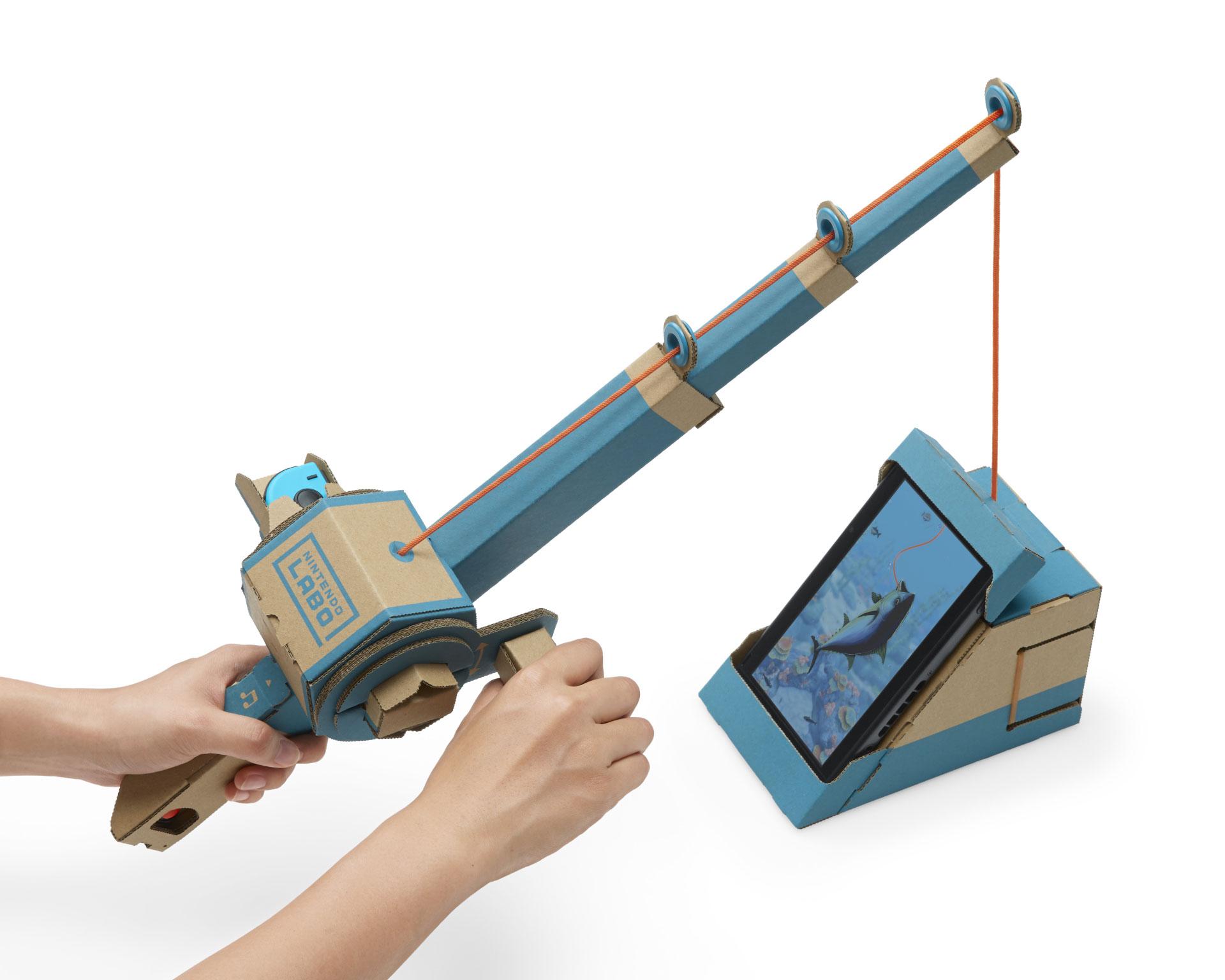 Auch das Auswerfen einer aus Pappe und Gummi-Zügen konstruierten Angel ins Switch-Meer funktioniert hervorragend. Problem: Die an die Bastel-Sets gekoppelten Minigames sind wenig mehr als spaßige Funktions- und Technologie-Demos.