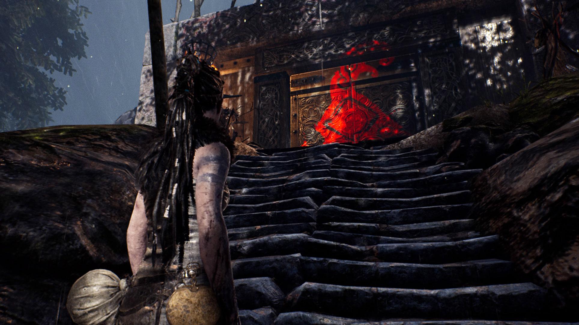 Die verschiedenen Level-Bereiche werden meist von Portalen getrennt - und die lassen sich erst öffnen, wenn Senua die auf ihnen abgebildeten Runen findet. Die wiederum verbergen sich...
