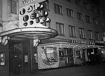 der legendäre Eingang vom original Top Ten-Club in Hamburg um 1961 / 1962