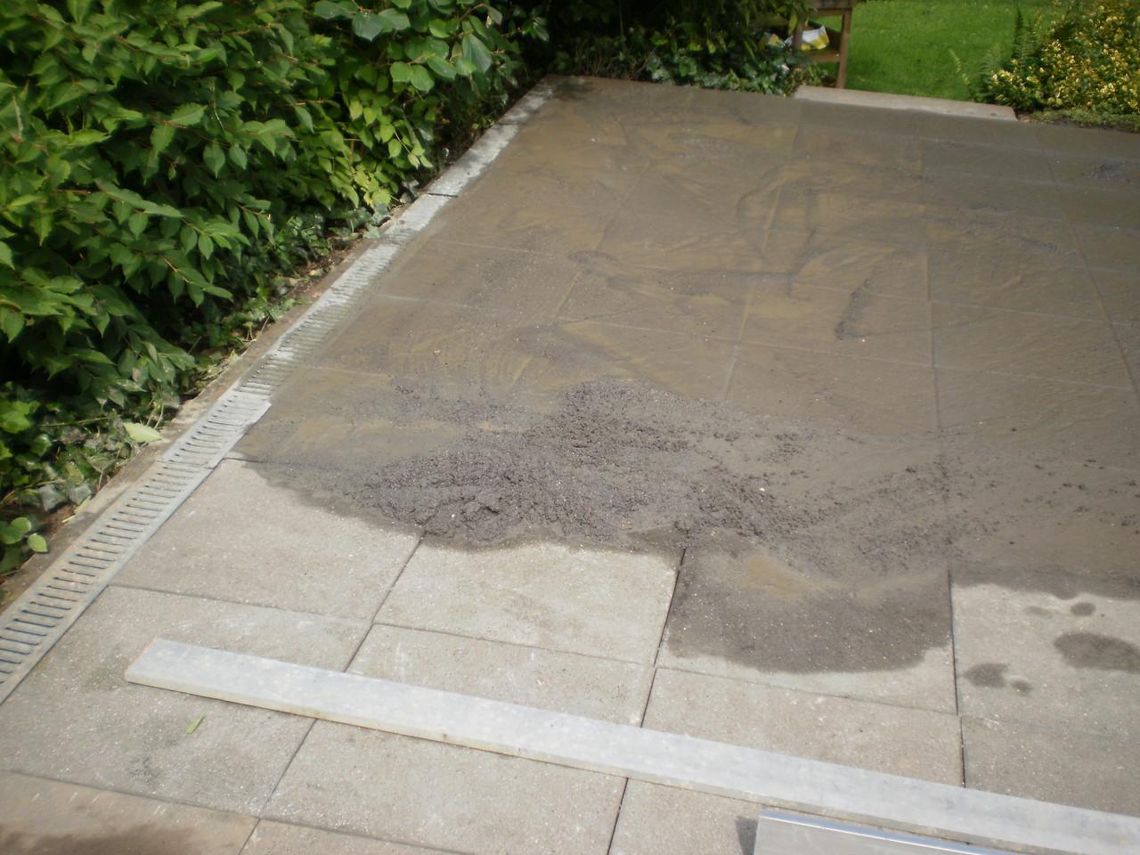 Terrassenplatten neu verlegt