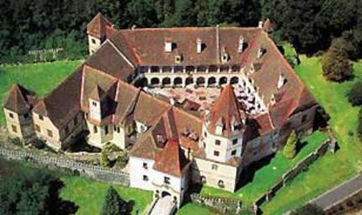 Schloss Kornberg (bei Feldbach) in der Steiermark