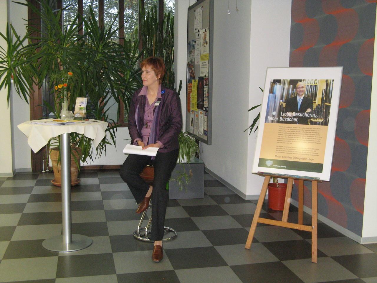 Begrüßung & Rede durch die Vorsitzende der LostVoices Stiftung Nicole Krüger