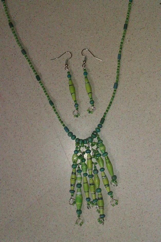 Juego de Collayr con artes en color y verde limón y azul turquesa
