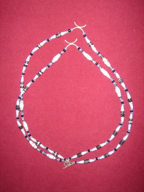 Collar de 2 hilos con cientas de papel y plata