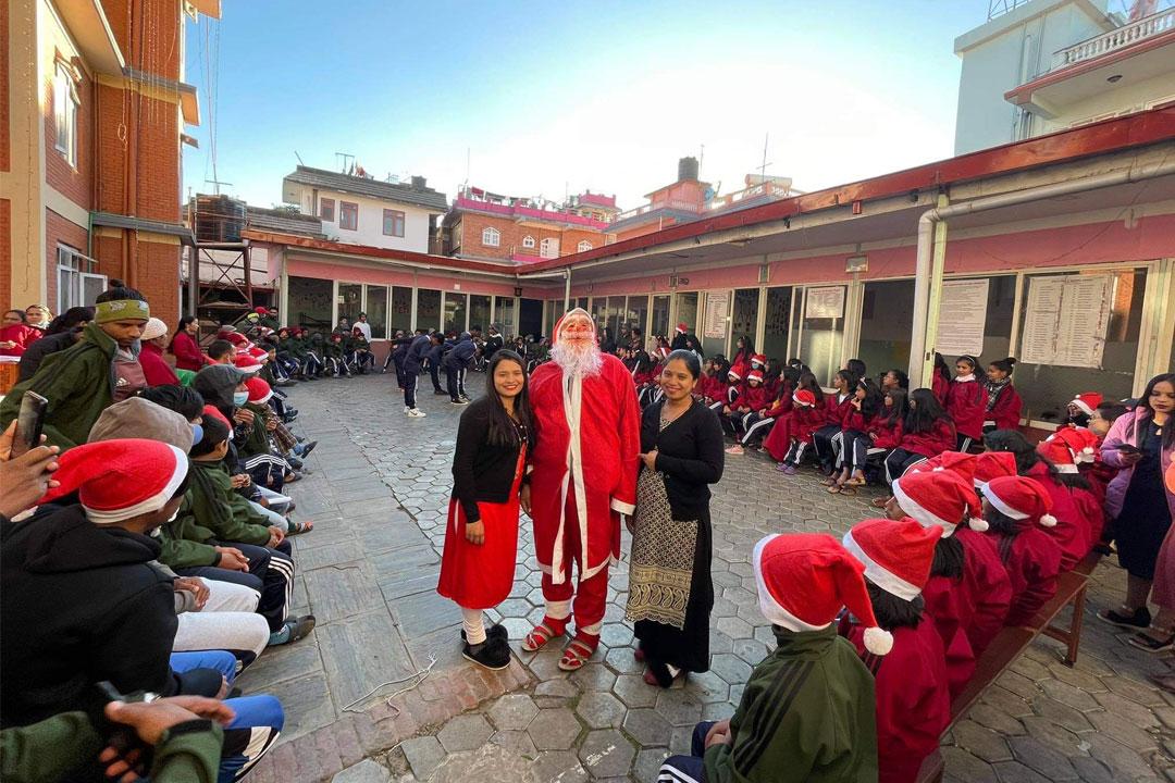 Natürlich durfte auch der Besuch vom Weihnachtsmann nicht ausfallen.