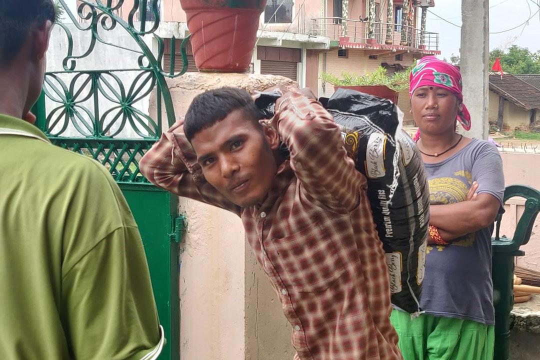 Nepalganj ist das Heimatdorf unseres früheren Hausleiters Navaraj, der uns um Hilfe gebeten hatte.