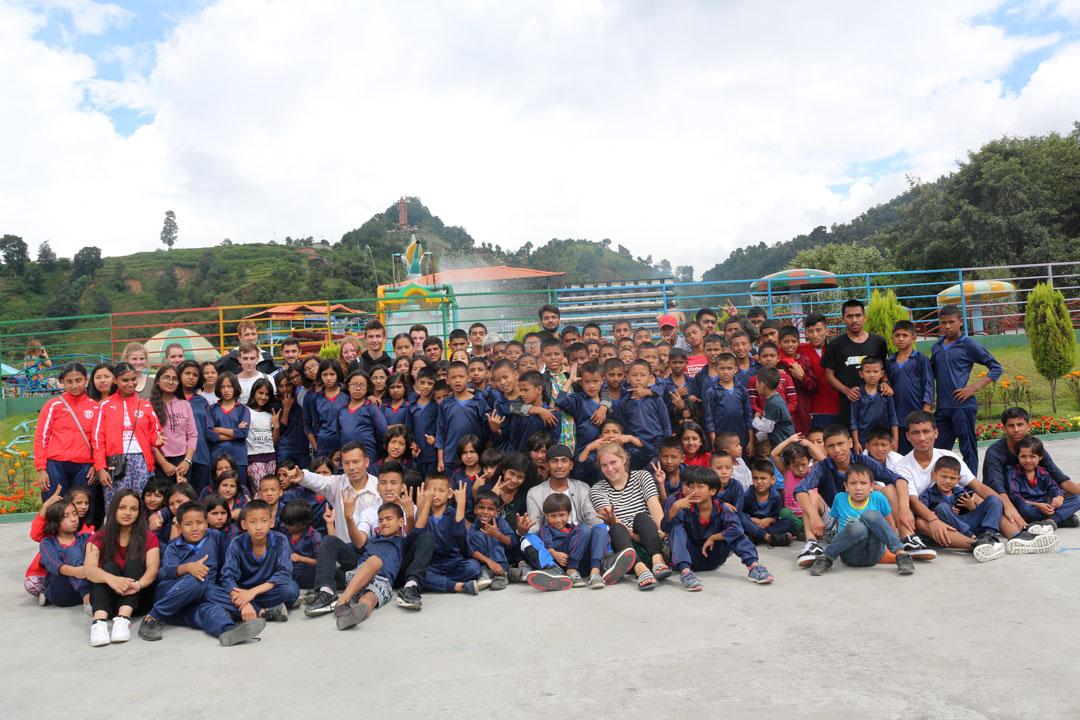 Alle Kinder, Praktikanten und Betreuer die bei unserem Ausflug dabei waren.