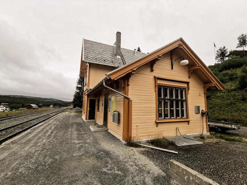 Glåmos Station