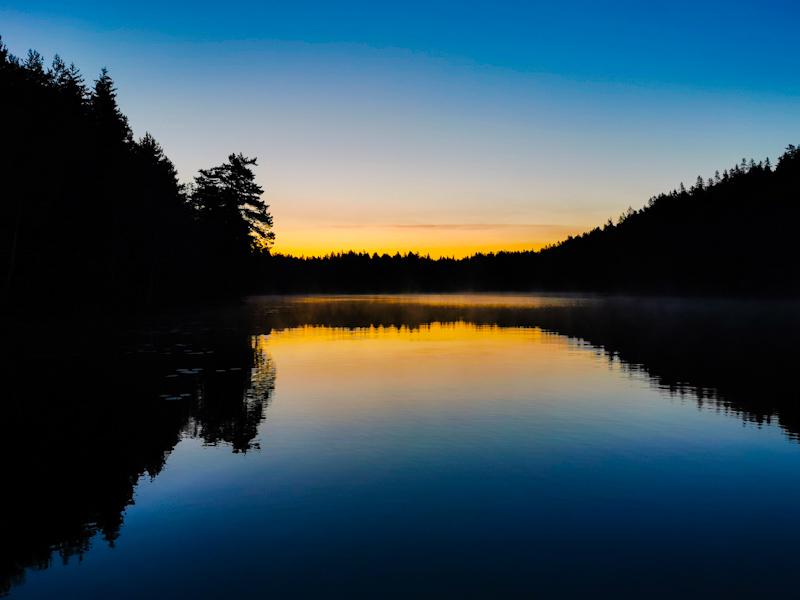Lovely start into the day. A look back at Stora Djäknasjön.