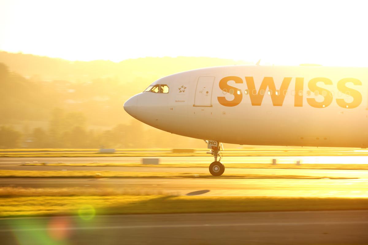 Touchdown of Swiss Airbus A330, Zürich-Kloten, Switzerland