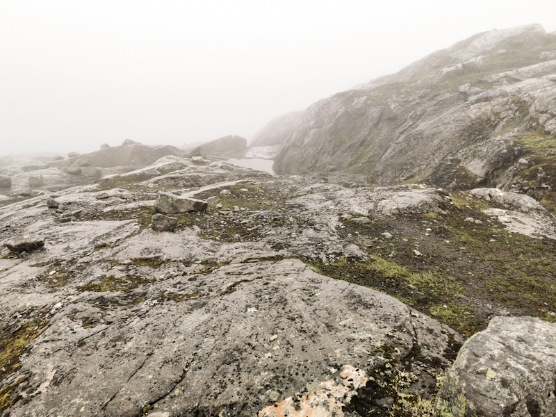 Challenging navigation in foggy conditions