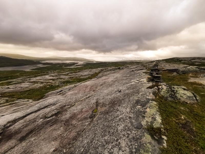 Pleasant walk over flat rocks